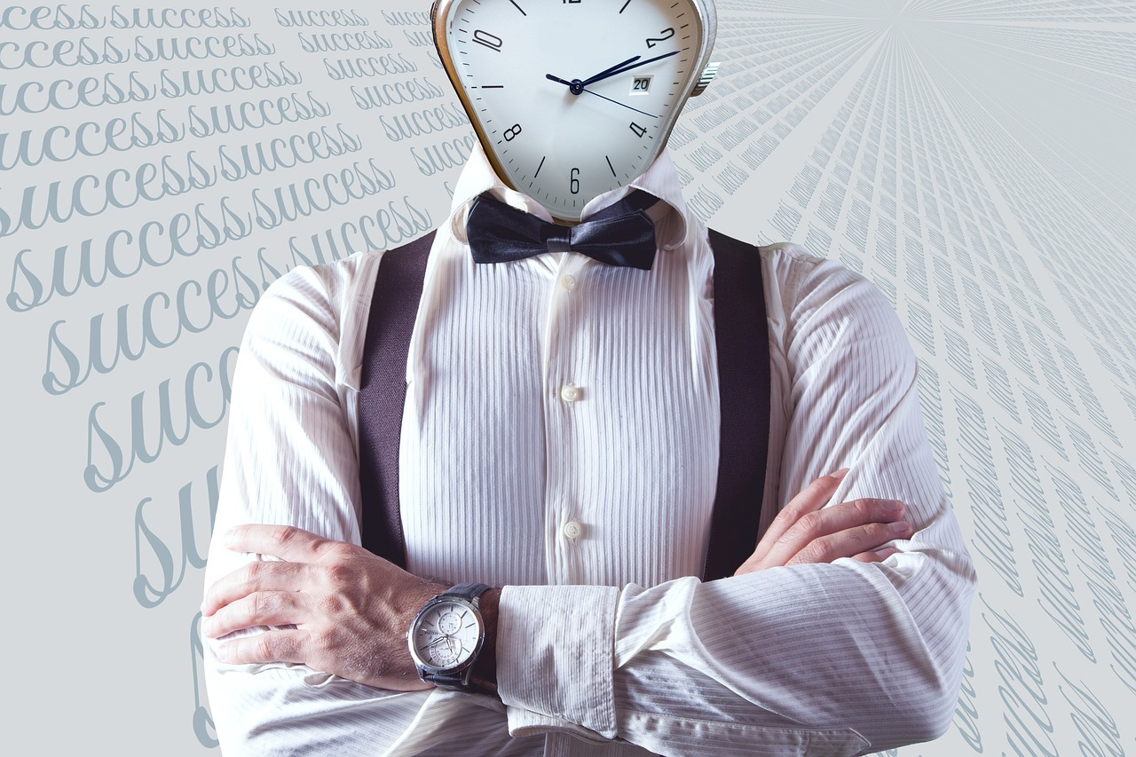 manager clock head